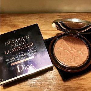 Diorskin Nude Luminizer In 04 Bronze Glow